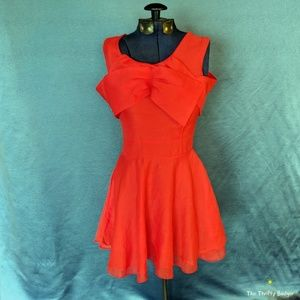 Dresses & Skirts - Cute orange bow dress